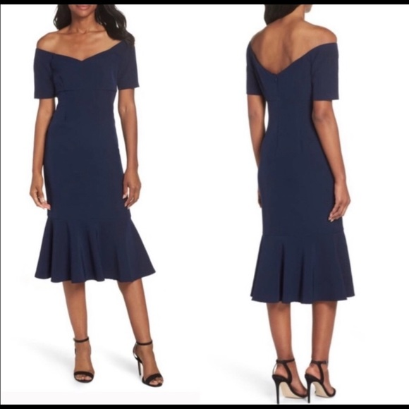 Maggy London Dresses & Skirts - The Lucy Off Shoulder Dress